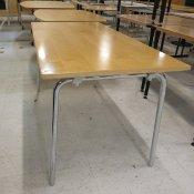 Klapbord, Ahorn plade, Blanke ben, 140x70 cm.