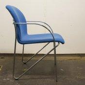 Blå stol med krom