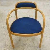 Gemla konferencestol med blå polstring
