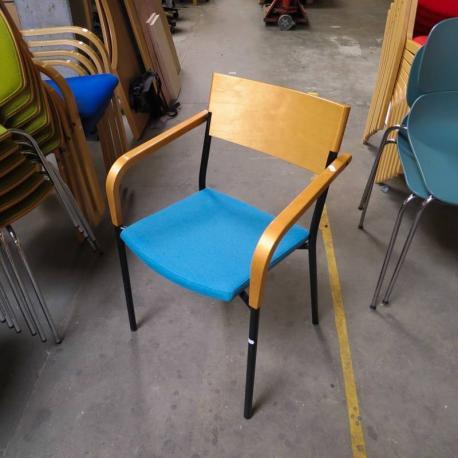 Efg stol med turkis polstret sæde
