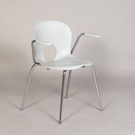 Poul Barbieri 'Olivia' stol med armlæn - hvid plast