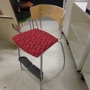 Højstoler med fodhviler