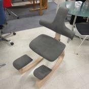 Balancestol med ryglæn - Grå