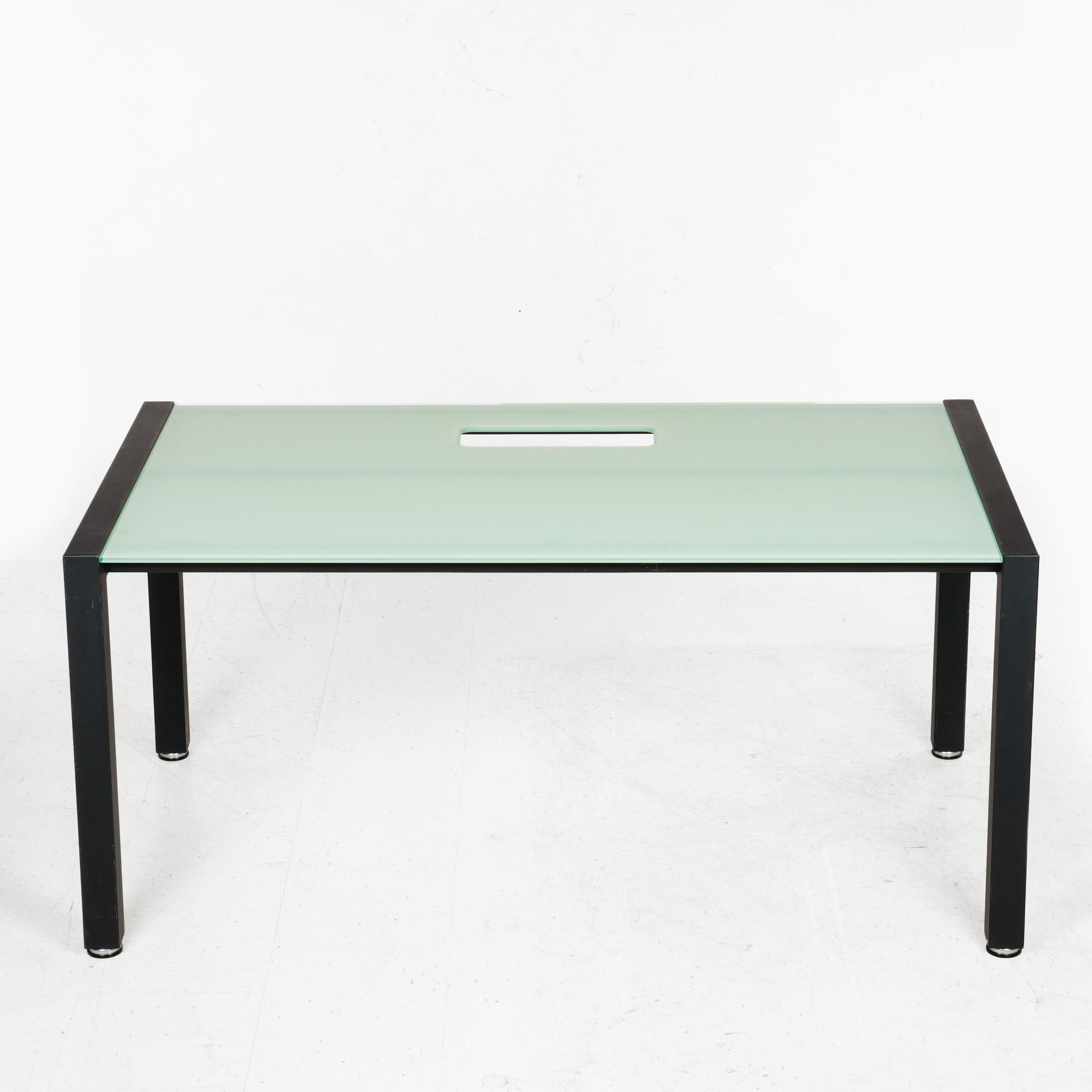 Holmris Skrivebord Med Glasplade 150x90