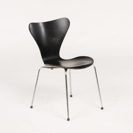 """VIND! Arne Jacobsens """"7'er"""" stol - Sort"""