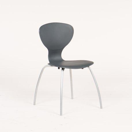 Ilpo Design - kantinestol - grå