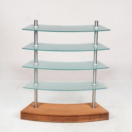 Reol med glashylder