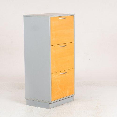 Arkivskab - lysgrå - tre skuffer - 117x54x42 cm.