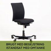 Håg H04 kontorstol - nypolstret sort - m. stribede fødder
