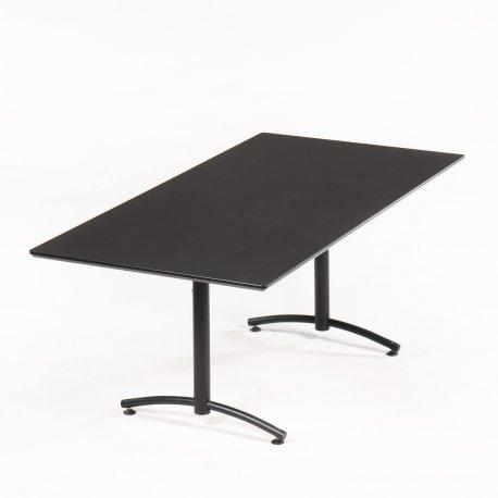 Upcyclet konferencebord