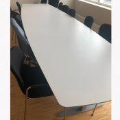 Hvidt konferencebord - 420 cm