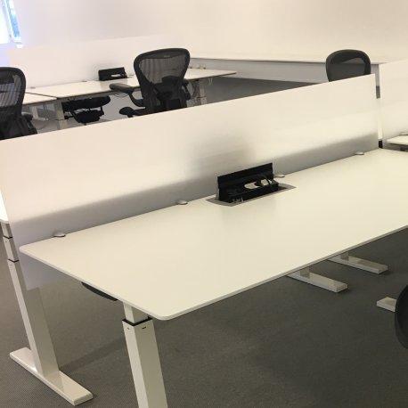 Skillevæg / skærm til bord - plast