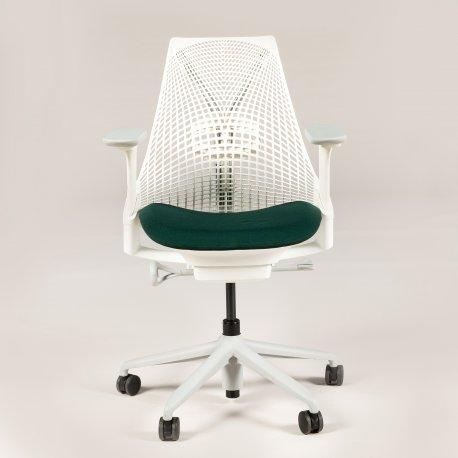 Herman Miller SAYL kontorstol - hvid med grønt sæde