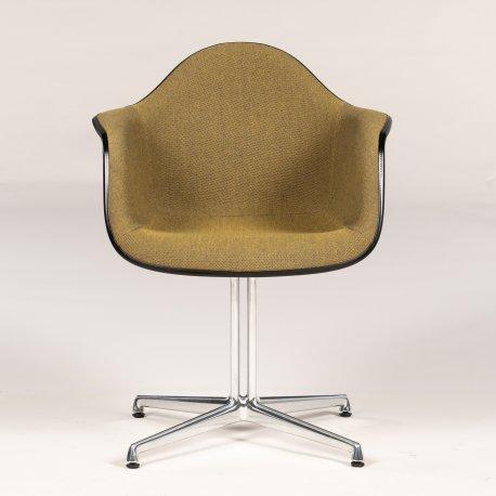 Eames konferencestol - La Fonda - grøn forsidepolstring