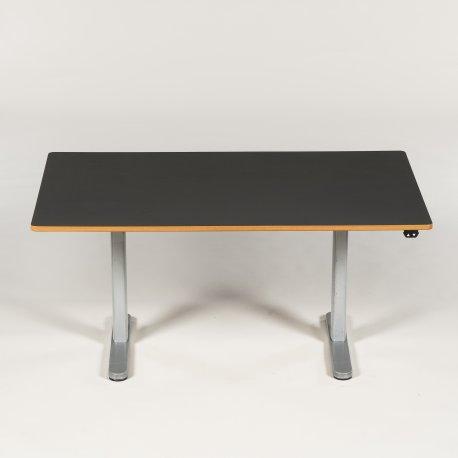 Hæve-/sænkebord - gråt laminat - Linak motor - 140x90 cm.