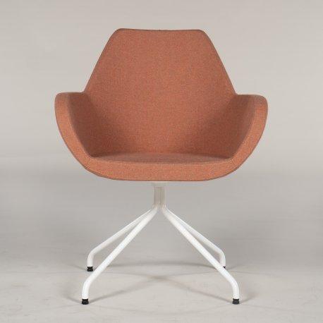 Demo loungestol - model Torso - lysrød uld - hvidt stel