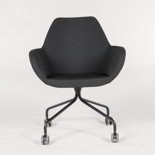 Demo loungestol - model Torso - sort polstring - sort stel - hjul