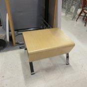 Demo sofabord - formbøjet eg - krom stel - 45x70x56 cm.