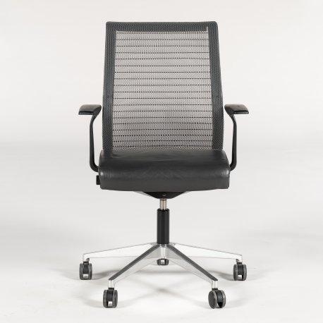 Steelcase Think kontorstol - mørkgrå læder - krom stel