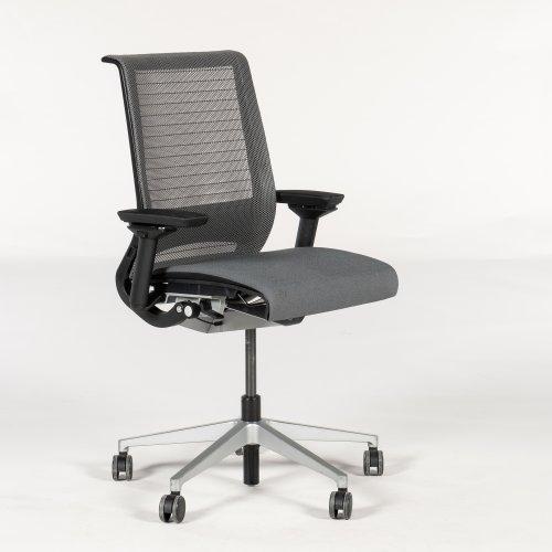 Steelcase Think kontorstol - gråt mesh og stof