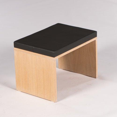 Demo bænk - egetræ - gråt læder - H. 52 cm. L. 70 cm.