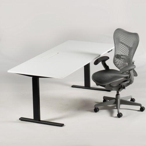 Arbejdsstation - Mirra kontorstol + Ragnars hæve-/sænkebord