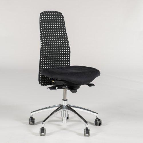 Demo kontorstol - model Synchron - sort/ hvid stof - krom fod