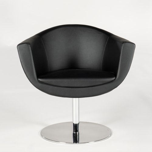 Demo loungestol - model Fellow - sort læder - drejestel - krom