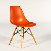 Charles og Ray Eames - Plastic Chair DSW - kantinestol - orange