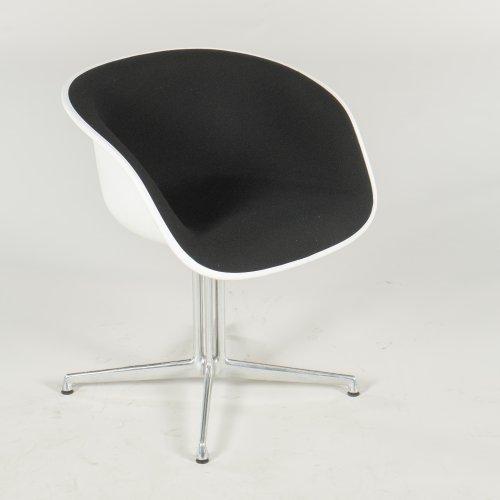 Eames konferencestol - La Fonda stel - hvidt plast - sort uld
