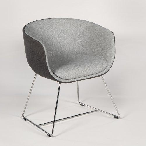 Demo loungestol - model Nu - tofarvet grå polstring - krom medestel
