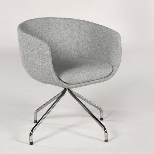 Demo loungestol - model Nu - lysgrå polstring - krom stel