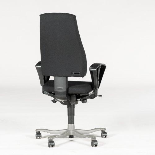 kinnarps kontorstol - sort - højrygget - gråt stel