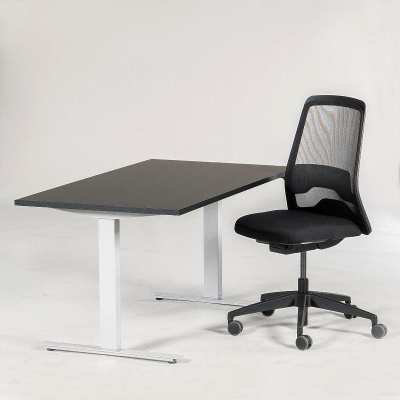 Arbejdsstation m. Every kontorstole og Thor hæve-/sænkebord
