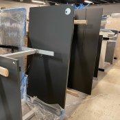 Demo hæve-/sænkebord m. centerbue - sort linoleum - Balder stel sort - 180x90 cm