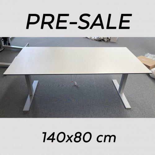 Brugt Hæve-/sænkebord - Hvid m. gråt stel - PRE SALE