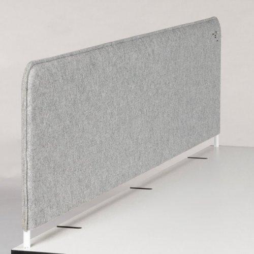 Brugt bordskillevæg til Montana hæve-/sænkebord - lys grå filt